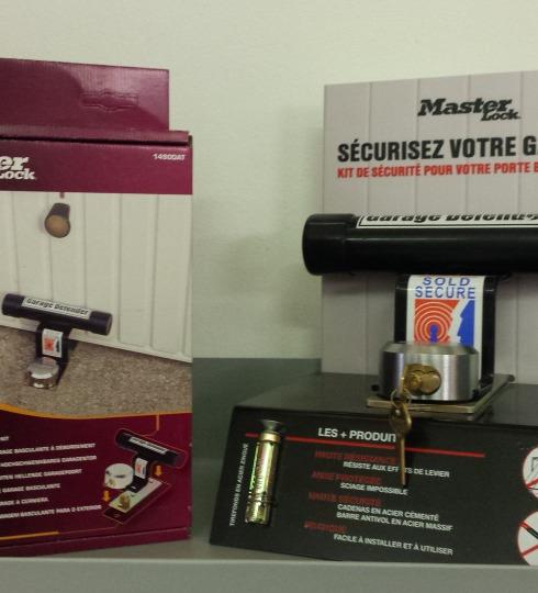 Master Lock 1488EURDAT Barre de sécurité pour porte de garage basculante